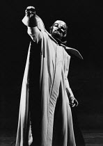 Donald McIntyre (Wotan) in DAS RHEINGOLD by Wagner at the The Royal Opera, Covent Garden, London WC2 11/09/1978 conductor: Colin Davis set design: Josef Svoboda costumes: Ingrid Rosell lighting: Willi...