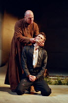 l-r: Des McAleer (Friar Lawrence), David Tennant (Romeo) in ROMEO AND JULIET by Shakespeare at the Royal Shakespeare Company (RSC), Royal Shakespeare Theatre, Stratford-upon-Avon 05/07/2000 music: Ste...