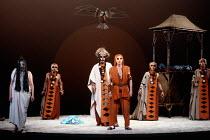 centre, right: Philip Langridge (Orpheus Man) in THE MASK OF ORPHEUS at the English National Opera (ENO), London Coliseum 21/05/1986 music: Harrison Birtwistle libretto: Peter Zinovieff conductor: Elg...