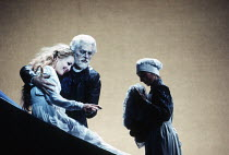 Frederica von Stade (Melisande), Robert Lloyd (Arkel) in PELLEAS ET MELISANDE by Debussy at The Royal Opera, London WC2 24/03/1993 conductor: Claudio Abbado design: Yannis Kokkos lighting: Vanni Vanni...