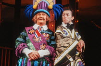 l-r: John Hewer (Pooh-Bah), Murray Melvin (Ko-Ko) in THE MIKADO by Gilbert & Sullivan at the Cambridge Theatre, London WC2 28/09/1982 a Plymouth Theatre Royal production set design: Sean Cavanagh cost...