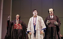l-r: Royce Mills (Pooh-Bah), Colin Lee (Nanki-Poo), Gareth Jones (Pish-Tush) in THE MIKADO by Gilbert & Sullivan at Savoy Theatre, London WC2 21/09/2000 a D'Oyly Carte production musical director: Jo...