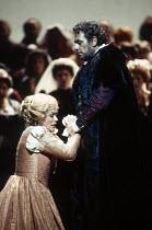Kiri Te Kanawa (Desdemona), Placido Domingo (Otello) in OTELLO by Verdi at the The Royal Opera, Covent Garden, London WC2 23/10/1992 music: Giuseppe Verdi libretto: Arrigo Boito after Shakespeare's O...