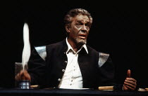 Paul Scofield (Othello) in OTHELLO by Shakespeare at the Olivier Theatre, National Theatre (NT), London SE1 20/03/1980 design: John Bury lighting: David Hersey director: Peter Hall