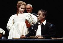l-r: Felicity Kendal (Desdemona), Michael Bryant (Iago), Paul Scofield (Othello) in OTHELLO by Shakespeare at the Olivier Theatre, National Theatre (NT), London SE1 20/03/1980 design: John Bury lighti...