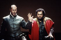 l-r: Sergei Leiferkus (Iago), Dennis O'Neill (Otello) in OTELLO by Verdi at the The Royal Opera, Covent Garden, London WC2 13/01/1995 music: Giuseppe Verdi libretto: Arrigo Boito after Shakespeare's O...