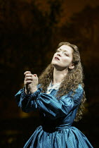 Maria Friedman (Marian Halcombe) in THE WOMAN IN WHITE at the Palace Theatre, London W1 15/09/2004 music: Andrew Lloyd Webber lyrics: David Zippel book: Charlotte Jones based on the novel by Wilkie Co...