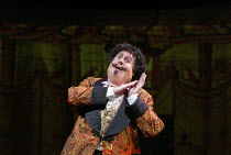 Michael Crawford (Count Fosco) in THE WOMAN IN WHITE at the Palace Theatre, London W1 15/09/2004 music: Andrew Lloyd Webber lyrics: David Zippel book: Charlotte Jones based on the novel by Wilkie Coll...