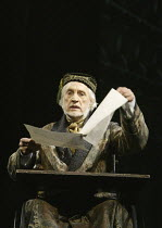 l-r: Edward Petherbridge (Mr Fairlie) in THE WOMAN IN WHITE at the Palace Theatre, London W1 15/09/2004 music: Andrew Lloyd Webber lyrics: David Zippel book: Charlotte Jones based on the novel by Wilk...