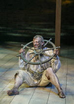 David Acton (Seagull) in EASTWARD HO! by Ben Jonson, John Marston & George Chapman at the Royal Shakespeare Company (RSC), Swan Theatre, Stratford-upon-Avon 25/04/2002 design: Robert Jones lighting: W...