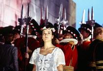 Alwyn Mellor (Elsie Maynard) in THE YEOMEN OF THE GUARD by Gilbert & Sullivan at Welsh National Opera, Cardiff, Wales 13/12/1994 conductor: Gareth Jones set design: Peter J Davison costumes: Nicky Gil...