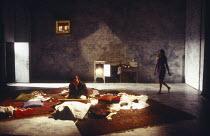 Nicholas Clay (Ernest Friedman), Rachel Weisz (Gilda) in DESIGN FOR LIVING by Noel Coward at the Donmar Warehouse, London WC2 06/09/1994 design: Stephen Brimson Lewis lighting: Mark Henderson director...