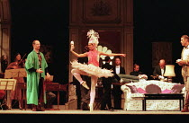 centre: Alla Martinkevitch (dancer) right: Rodney Gilfrey (The Count) in CAPRICCIO at Glyndebourne Festival Opera, East Sussex, England 18/07/1998 music: Richard Strauss libretto: Clemens Krauss & Ri...