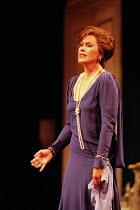 Kiri Te Kanawa (The Countess) in CAPRICCIO at Glyndebourne Festival Opera, East Sussex, England 18/07/1998 music: Richard Strauss libretto: Clemens Krauss & Richard Strauss conductor: Andrew Davis se...