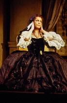 Brigitte Fassbaender (Dorabella) in COSI FAN TUTTE by Mozart at the Royal Opera, Covent Garden, London WC2 30/11/1979 music: Wolfgang Amadeus Mozart libretto: Lorenzo Da Ponte conductor: Karl Bohm set...