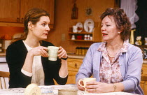 l-r: Susan Wooldridge (Jessie Cates), Marjorie Yates (Thelma Cates) in NIGHT MOTHER by Marsha Norman at the Hampstead Theatre, London NW3 21/02/1985 design: Sue Plummer lighting: Mick Hughes director:...