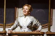 Amanda Roocroft (Fiordiligi) in COSI FAN TUTTE by Mozart at Glyndebourne Festival Opera, East Sussex, England 24/05/1991 music: Wolfgang Amadeus Mozart libretto: Lorenzo Da Ponte conductor: Simon Rat...