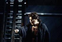 Anne-Marie Owens (Marfa) in KHOVANSHCHINA performed by English National Opera (ENO) at the London Coliseum, London WC2 24/11/1994 music & libretto: Modest Mussorgsky orchestration: Dmitri Shostakovitc...