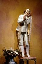 Christiane Oertel (Cherubino) in LE NOZZE DI FIGARO at The Royal Opera, Covent Garden, London WC2 18/12/1991 music: Wolfgang Amadeus Mozart libretto: Lorenzo Da Ponte conductor: Jeffrey Tate set desig...