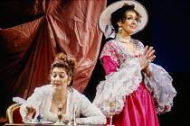 l-r: Marie McLaughlin (Susanna), Felicity Lott (Countess Almaviva) in LE NOZZE DI FIGARO at The Royal Opera, Covent Garden, London WC2 18/12/1991 music: Wolfgang Amadeus Mozart libretto: Lorenzo Da Po...