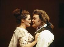 Sylvia McNair (Susanna), Bryn Terfel (Figaro) in LE NOZZE DI FIGARO at The Royal Opera, Covent Garden, London WC2 25/04/1994 music: Wolfgang Amadeus Mozart libretto: Lorenzo Da Ponte conductor: Harmut...