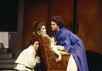 l-r: Monica Bacelli (Cherubino), Sylvia McNair (Susanna), Jeffrey Black (Count Almaviva) in LE NOZZE DI FIGARO at The Royal Opera, Covent Garden, London WC2 25/04/1994 music: Wolfgang Amadeus Mozart l...