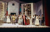 centre: Andreas Schmidt (Count Almaviva), Alison Hagley (Susanna) in LE NOZZE DI FIGARO at Glyndebourne Festival Opera, East Sussex, England 28/05/1994 music: Wolfgang Amadeus Mozart libretto: Lorenzo...