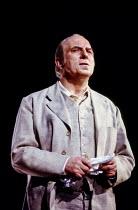 Norman Bailey (Sharpless) in MADAM BUTTERFLY by Puccini at English National Opera (ENO), London Coliseum, London WC2 1988 music: Giacomo Puccini libretto: Luigi Illica and Giuseppe Giacosa conductor:...