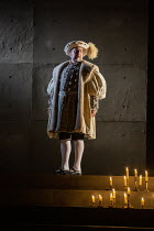 Nathaniel Parker (King Henry VIII) in THE MIRROR AND THE LIGHT at the Gielgud Theatre, London W1 06/10/2021 adapted from her novel by Hilary Mantel & Ben Miles music: Stephen Warbeck design: Christoph...