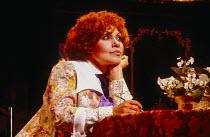 Cleo Laine (Colette) in COLETTE at the Comedy Theatre, London SW1 24/09/1980 music, book & lyrics: John Dankworth design: Tim Goodchild lighting: David Hersey director: Wendy Toye