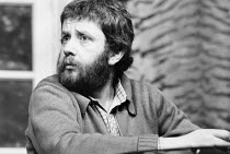 Mike Leigh at a rehearsal of his play GOOSE-PIMPLES at the Hampstead Theatre, London NW3 03/03/1981 devised & directed by Mike Leigh design: Caroline Beaver lighting: Alan O'Toole