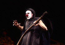 Antony Sher (Marcel Flote) in RED NOSES by Peter Barnes at the Royal Shakespeare Company (RSC), Barbican Theatre, Barbican Centre, London EC2 02/07/1985 design: Farrah lighting: Terry Hands with Clive...